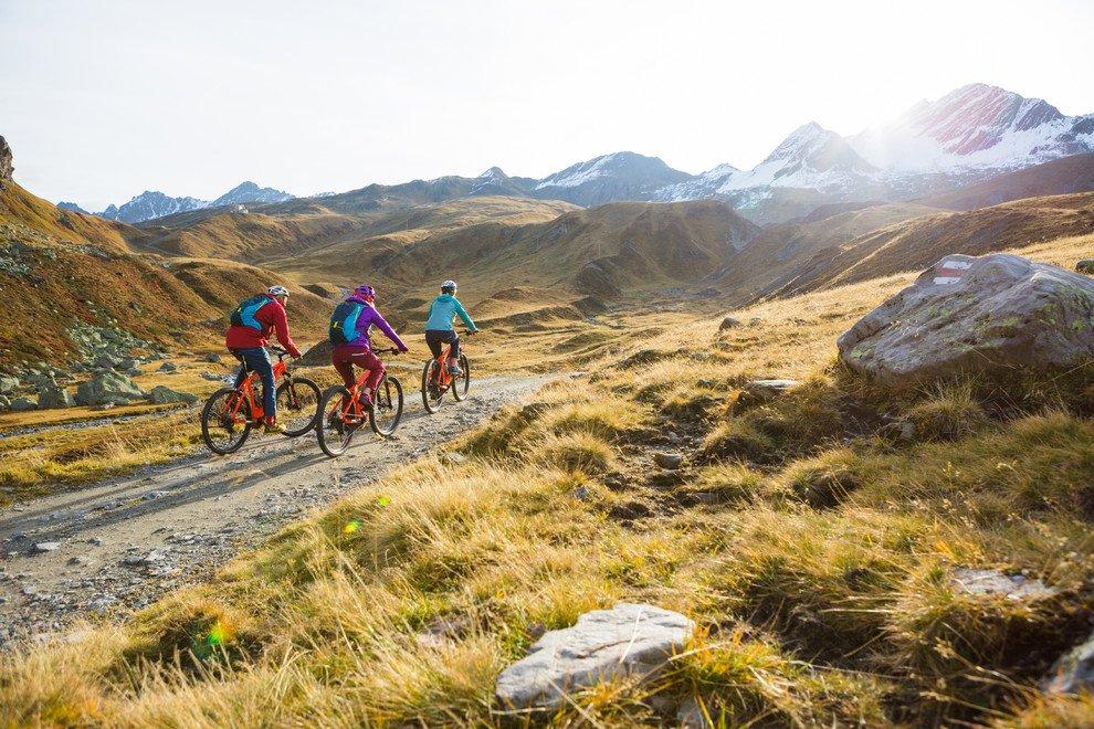 b070f677d4ce9b E-Bike Tour im Herbst zur Heilbronner Hütte