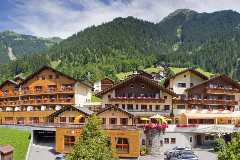 Hotel Sommer | © www.zamangspitze.at